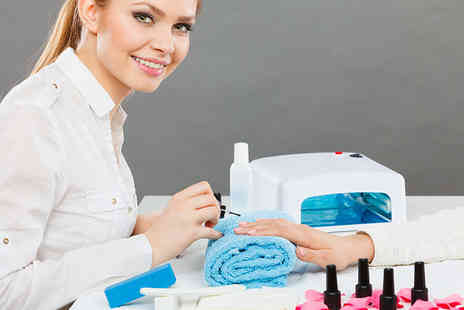 London Aesthetics and Training Academy - 12 week VTCT Level 2 beauty therapy course - Save 69%