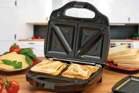 Groupon Goods Global GmbH - Cooks Professional Grill and Sandwich Toaster with Option for Waffle Plates - Save 64%