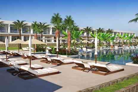 Going Luxury - Brand new 5 star hotel with swim up room - Save 0%