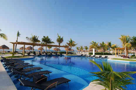 Bargain Late Holidays - Seven or 14 night, all inclusive Playa de Carmen, Mexico stay and flights - Save 33%