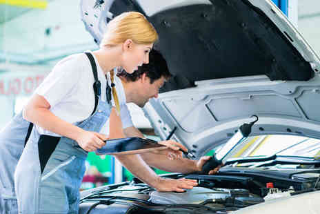 Perivale Motor Repairs - Car air con service & re gas - Save 73%