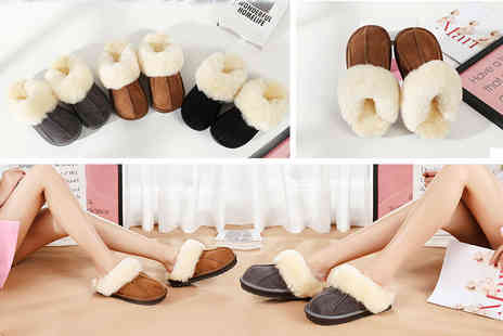 Charles Oscar - Pair of luxury unisex sheepskin slippers choose from three colours - Save 83%