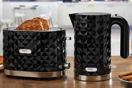 Groupon Goods Global GmbH - Cooks Professional Diamond Styled Kettle and Toaster Set - Save 60%