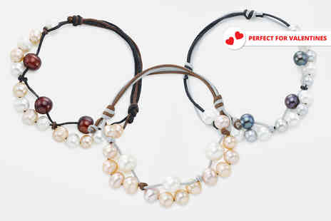 Pearl Shed - Freshwater pearl Gaia bracelet choose from three colours - Save 89%