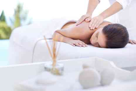 Misfits Beauty - Hydrating facial with back neck and shoulder massage - Save 60%