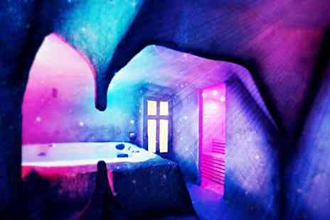 VIP Spa & Clinic - One hour private hire of the spa cave, a 30 minute Rasul treatment and a glass of Prosecco each for two people - Save 0%