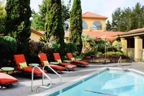 Sonoma Coast Villa - Sonoma Coast B&B Escape incllusive £54 Credit - Save 0%