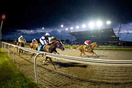 Kempton Park Racecourse - Racing and live music - Save 65%