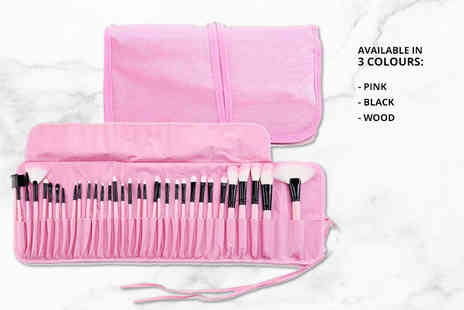 Forever Cosmetics - 32 piece pro makeup brush set with case choose from three colours - Save 75%