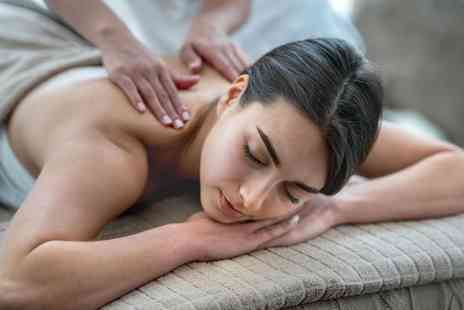 The Beauty Barn - Choice of 30 minute massage - Save 53%
