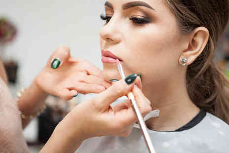 Educate2Engage - Make up artist online course - Save 95%