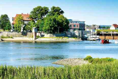 Zollenspieker Fahrhaus - Rural riverside Hamburg stay - Save 0%