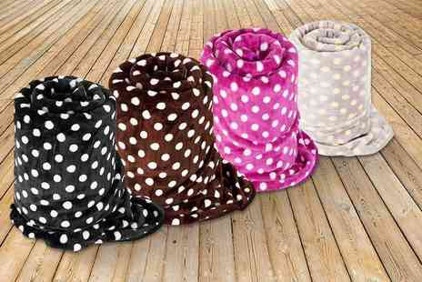 Linens R Us - Polka dot throw choose from four colours - Save 51%