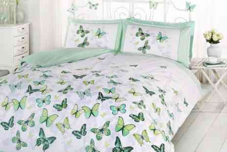 Groupon Goods Global GmbH - Rapport Home Reversible Flutter Duvet Cover Set in Choice of Size and Colour - Save 69%