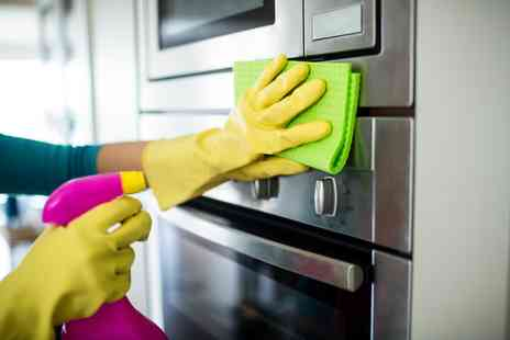 Easy Clean Nottingham - Professional single oven clean or include a fridge or microwave clean too - Save 47%
