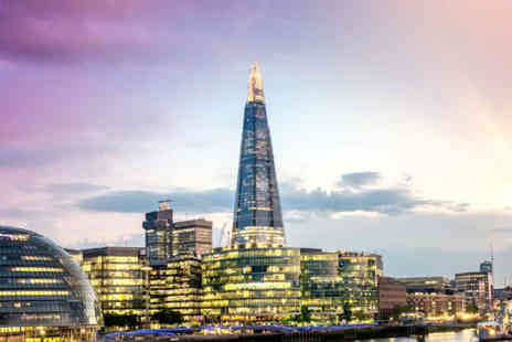 OMGhotels - Overnight 3 tar stay with breakfast and the view from the Shard experience with champagne for two - Save 0%