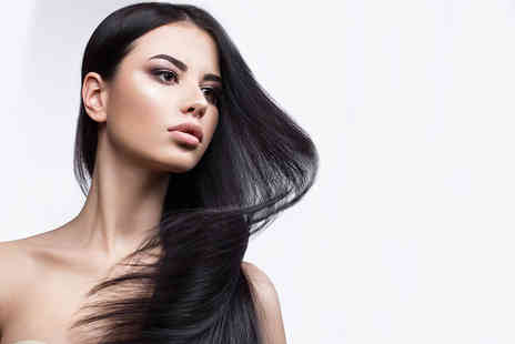 Zipandas - Wash, haircut and blowdry finish - Save 57%