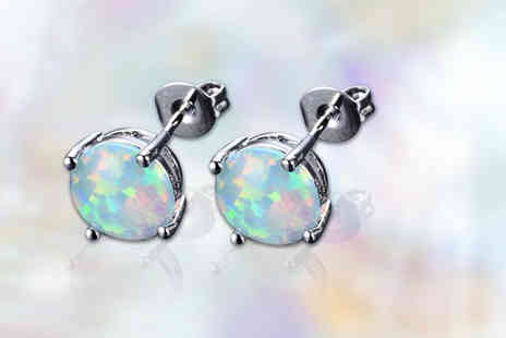 Your Ideal Gift - Pair of crystal stud earrings - Save 88%