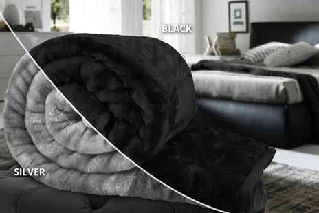 Fusion Homeware - Double or king size super soft faux fur throw choose from 10 colours - Save 80%