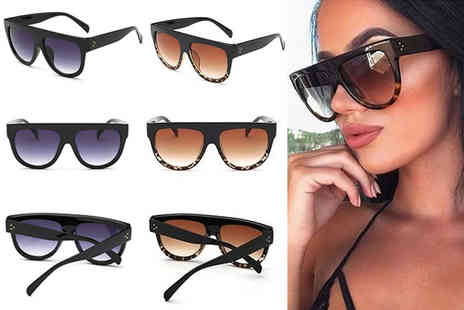 Snap Gadget - Pair of oversized flat top sunglasses - Save 68%