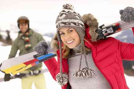 Swadlincote Ski Slope and Snowboard Centre - Three 60 minute skiing or snowboarding lessons for one, two or four - Save 55%