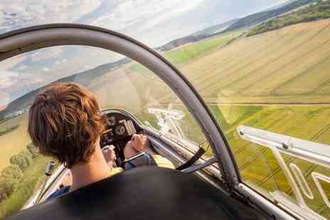 Bicester Gliding Centre - Introduction to Gliding winch glider flight with a video and a three month membership - Save 84%