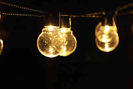 Best mall ever - Solar-Powered String Lights Choose from 2 Colours - Save 72%