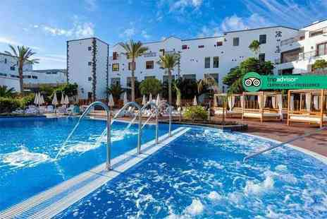Super Escapes Travel - Three, five or seven night 5 Star all inclusive Lanzarote break in a superior double room with return flights - Save 29%