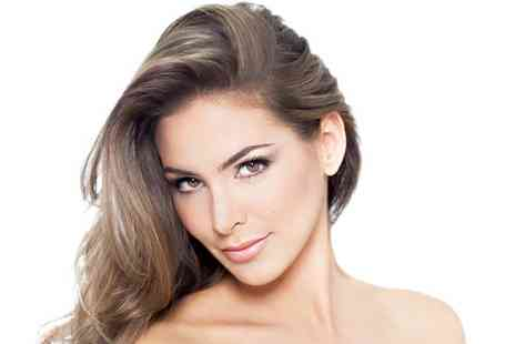 Poise Hair and Beauty - Wash, cut, blow dry and half head highlights - Save 59%