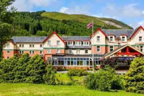 Muthu Royal Hotel - One to Three Nights Stay for Two with Breakfast, 3 Course Dinner and Bottle of Prosecco - Save 31%
