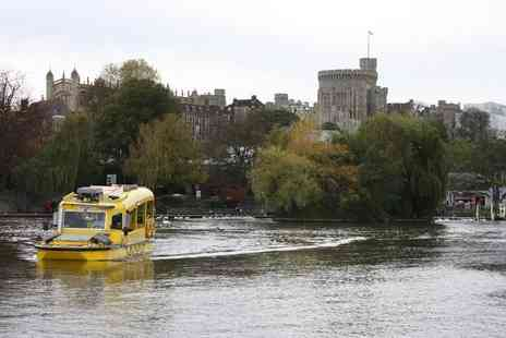 Windsor Duck Tours - Ticket to the river and road circular tour of Windsor - Save 52%