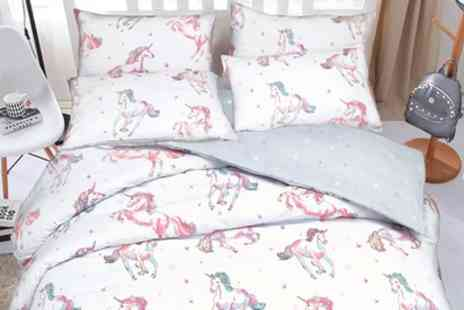 Groupon Goods Global GmbH - Pieridae Unicorn Duvet Set - Save 74%
