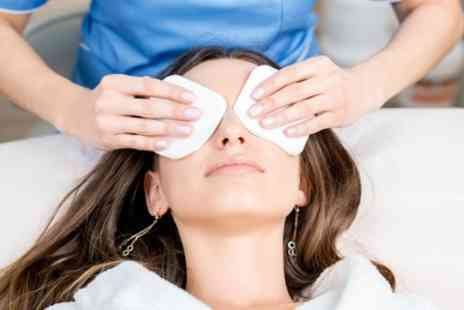 Pari Beauty - Choice of 60 Minute Facial or Massage with Optional Mini Facial - Save 46%
