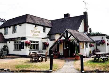 The Potters Arms - Three course meal for 2 with coffee - Save 48%