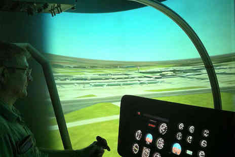 Hields Aviation - 20 or 40 minute helicopter simulator experience - Save 41%