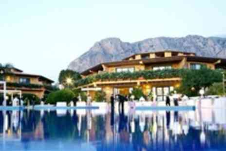 HolidaysBooked.com - In Sicily Seven Night Half Board Stay For Two With Flights between 1 and 22 August 2012 - Save 63%