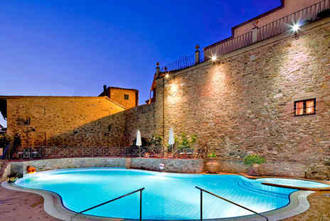 UNA Palazzo Mannaioni - Four Star Romantic 16th Century Tuscan Retreat For Two - Save 76%