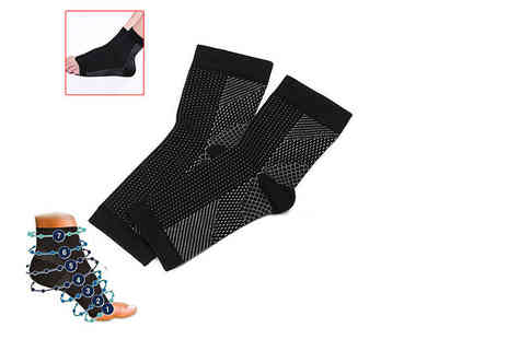 TMD Global - Pair of anti fatigue compression socks - Save 73%