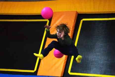i Bounce - One or Two Hours of Trampoline Jumping for Up to Four - Save 26%