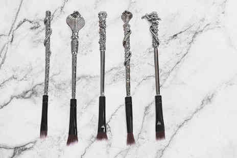 Forever Cosmetics - Five piece Harry Potter inspired makeup brush set - Save 76%