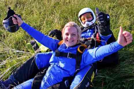 Buyagift - Tandem skydive experience in Cambridgeshire - Save 0%