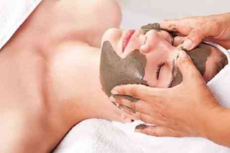 Lingfield Park Resort - Half day spa package with mud treatment & bubbly - Save 47%