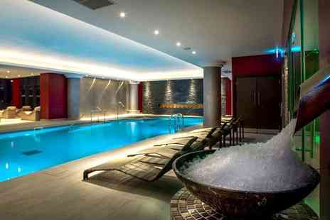 Genting Solihull - Spa day for one person with a 25 minute dry flotation experience and a glass of Prosecco - Save 61%