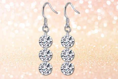 Your Ideal Gift - Pair of drop earrings made with crystals from swarovski - Save 76%