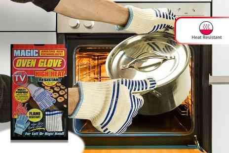 London Exchain Store - Pair of magic heat resistant oven gloves - Save 60%