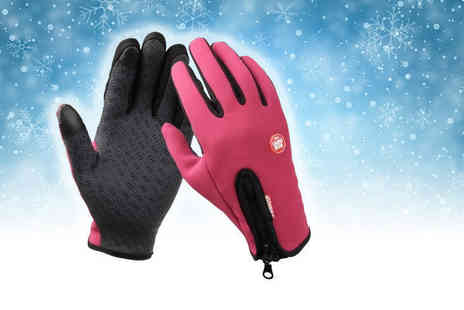 London Exchain Store - Pair of touch screen gloves choose from black or pink - Save 65%