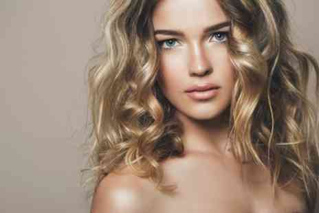 U Beauty Lounge - Wash, Cut and Blow Dry with Half Head of Highlights or Full Head of Colour - Save 58%