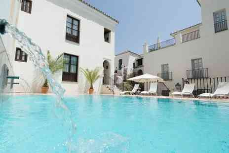 Las Casas de la Juderia Seville - Four Star Traditional Style Stay For Two in Seville - Save 43%