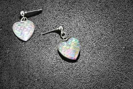 GetGorgeous - Iridescent colour shifting heart earrings - Save 77%
