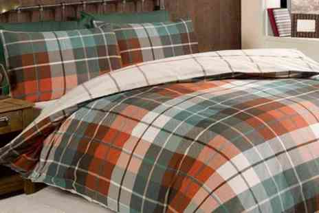 Groupon Goods Global GmbH - Rapport Home Reversible Checked Duvet Cover Set in Choice of Colour - Save 71%